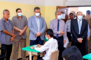 محافظ العاصمة عدن يدشن امتحانات الثانوية العامة